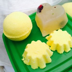 Bath bomb and soap pic