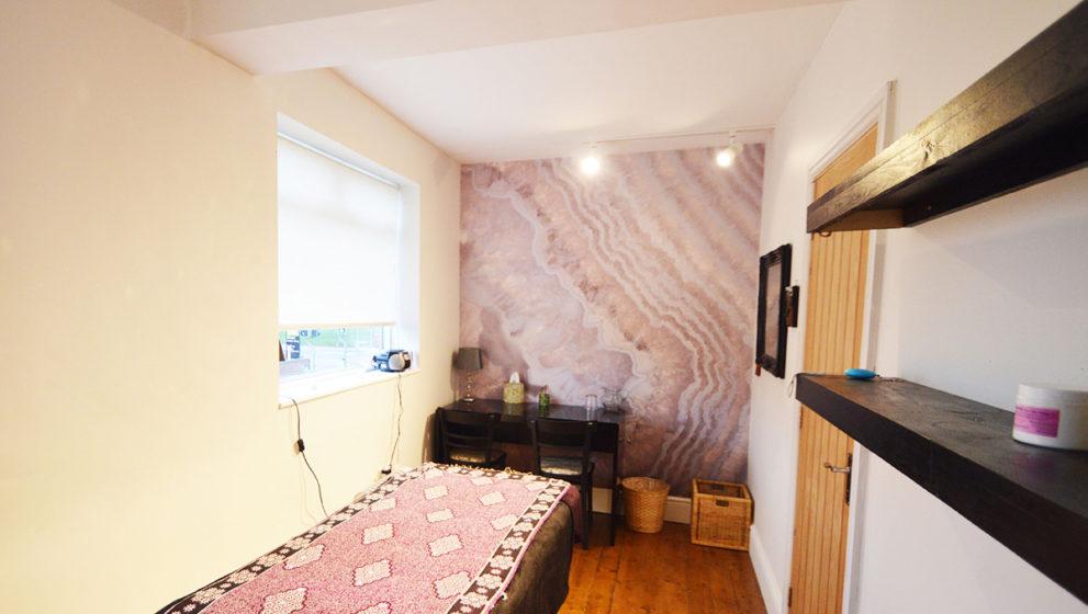 Amythyst room
